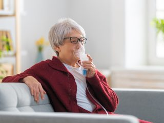 asthma-older-woman